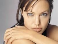 Biografía de Angelina Jolie