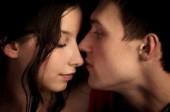 4 contactos claves que debe tener un seductor