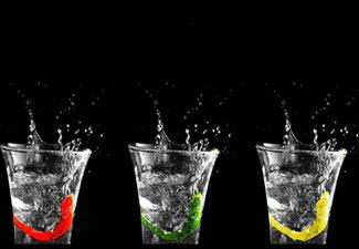 beneficios de tomar agua en el trabajo